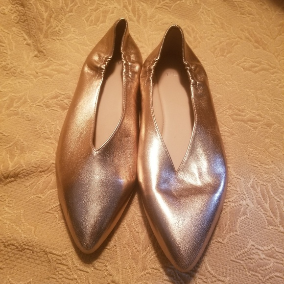 1a0b1b336 M_5cb397f8bb22e326f8514817. Other Shoes you may like. Pour la Victoire